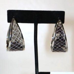 NWOT Beautiful Michael Kors earrings